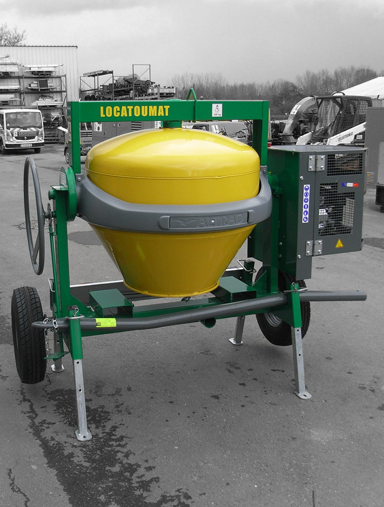 Towable concret mixer 400L